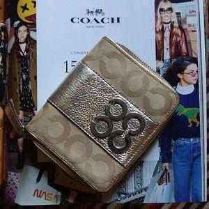 Coach  Metallic  Leather Zipped Wallet